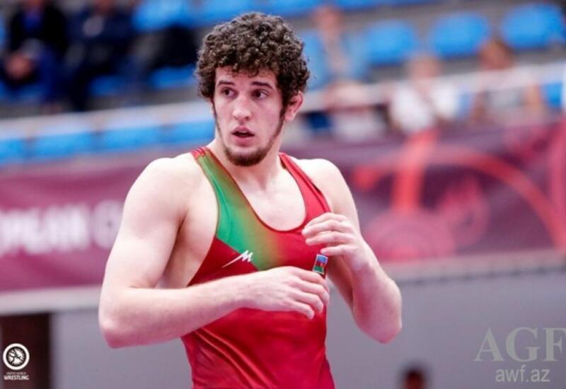 Азербайджанский борец победил армянина