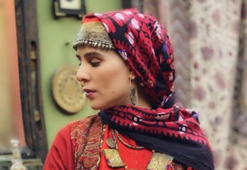 """Комплект азербайджанской национальной женской одежды """"Куледжа"""""""