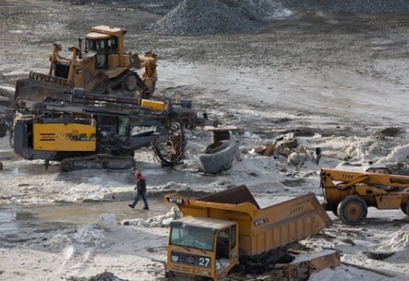 Реза Дегати показал, как армяне разграбляли золоторудное месторождение в Карабахе