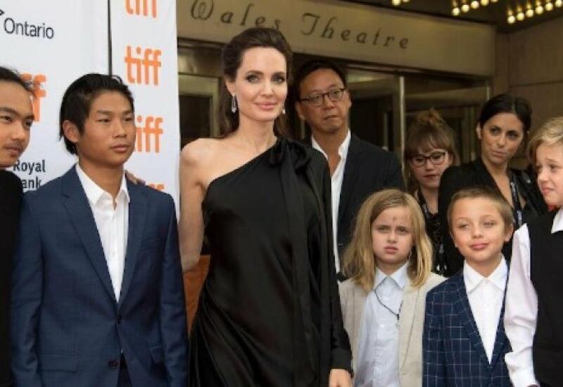 Старший сын Питта и Джоли дал показания против отца в суде