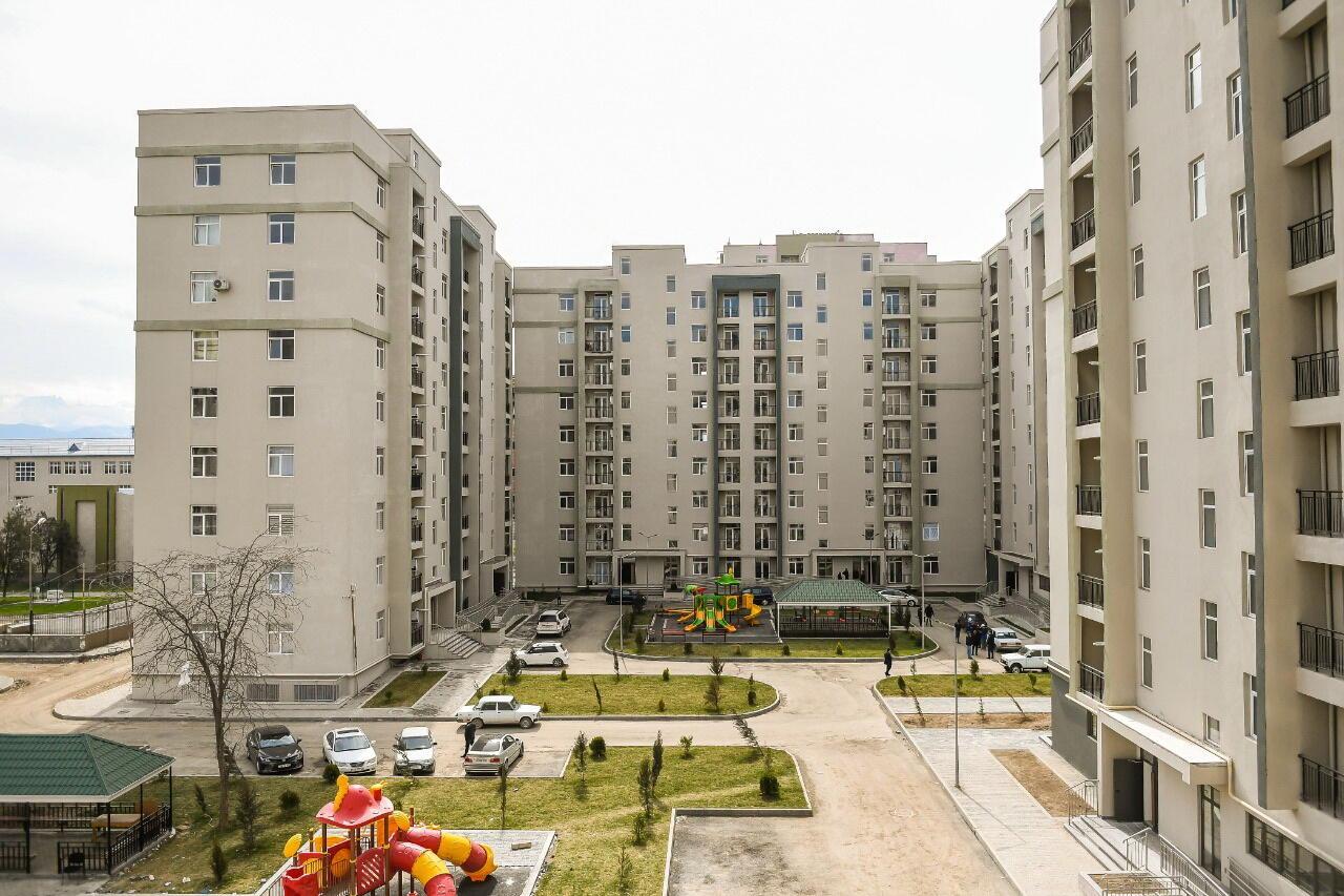 Жители Гянджи, потерявшие дома в результате армянских ракетных атак, получили новые квартиры