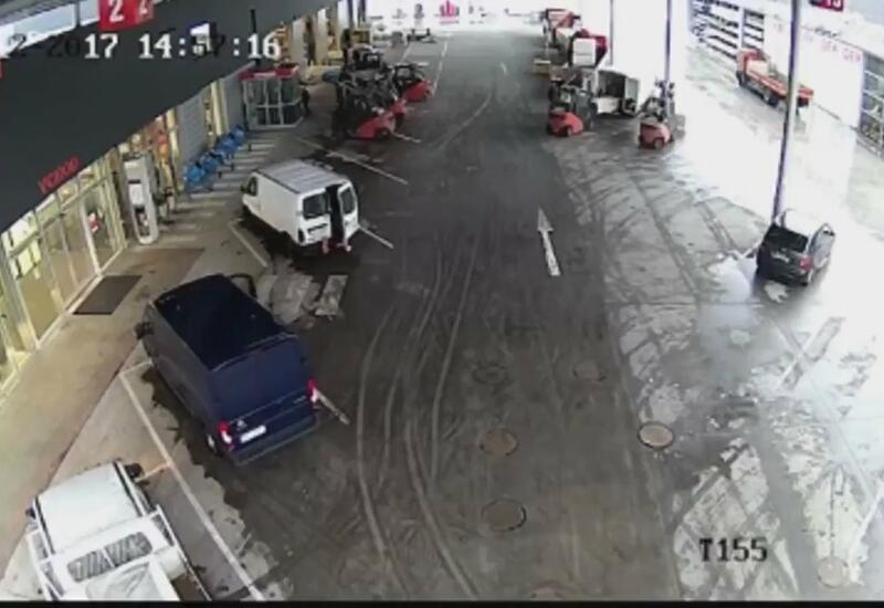 Грузчики помешали угонщику уехать на чужой машине