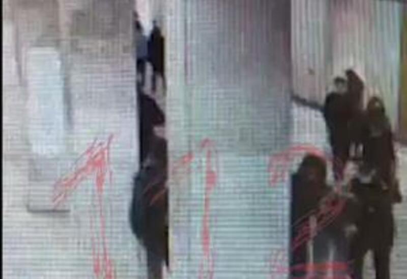 В московском метро пассажир напал на полицейского