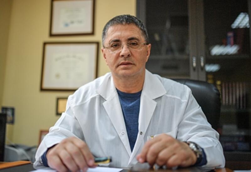 Доктор Мясников дал совет опасающимся вакцинации людям