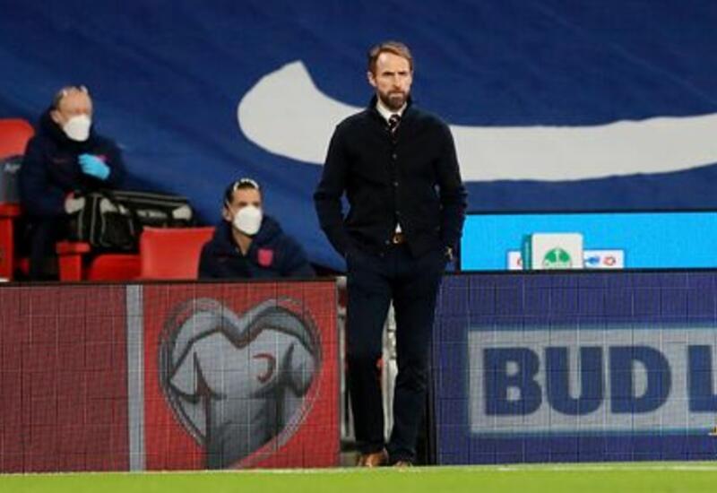 Тренер сборной Англии посоветовал игрокам уйти из соцсетей из-за расизма