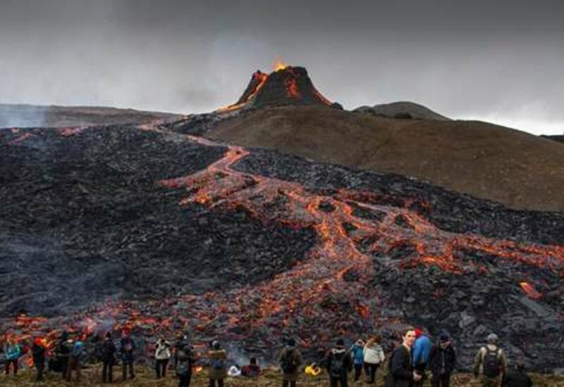 Извержение вулкана привлекло рекордное число туристов