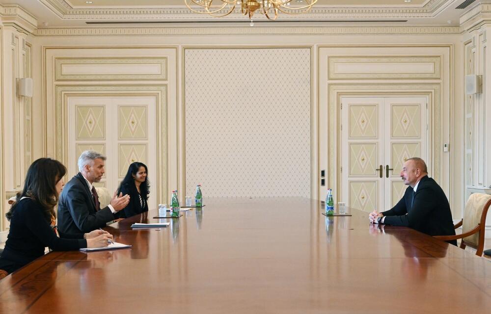 Президент Ильхам Алиев принял регионального директора Всемирного банка