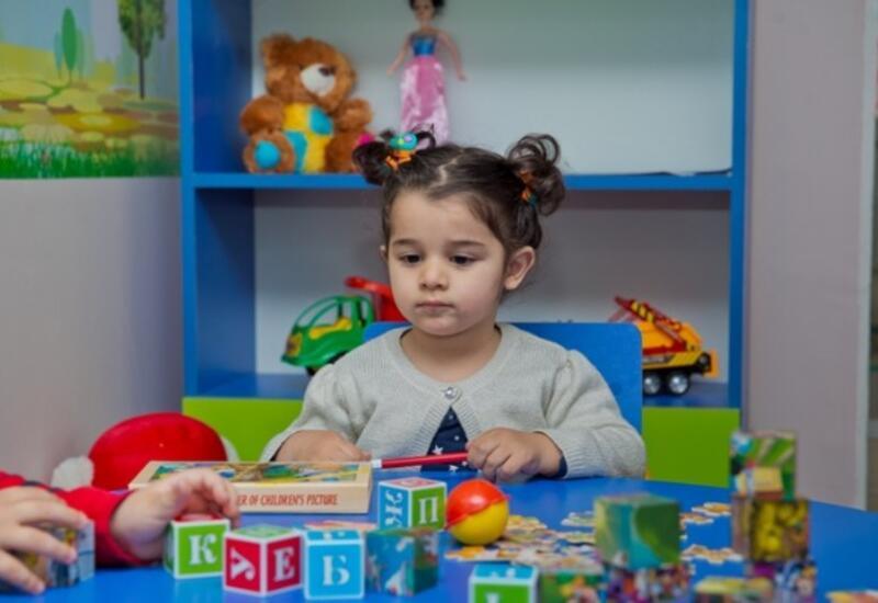 Детсады в Баку переходят на систему электронного приема детей