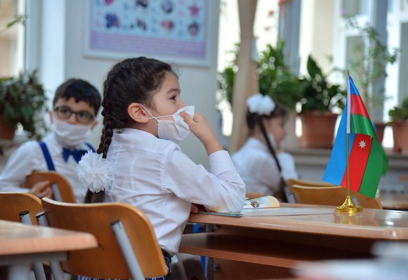 В Баку создадут альтернативные центры для приема детей в первый класс