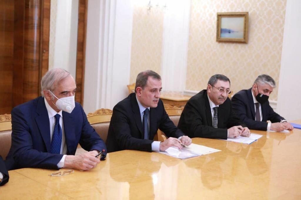Состоялась встреча глав МИД Азербайджана и России