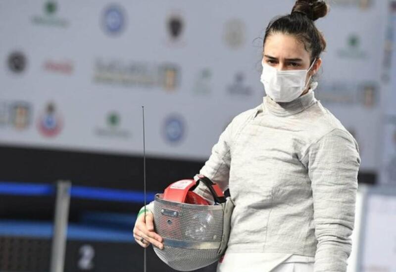 14-летняя азербайджанка стала призером чемпионата мира по фехтованию
