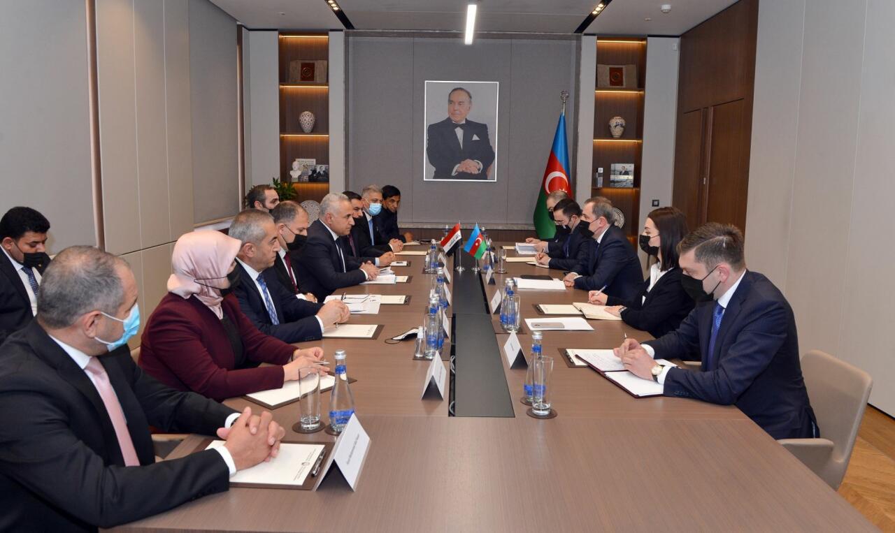 Джейхун Байрамов на переговорах с председателем комитета парламента Ирака