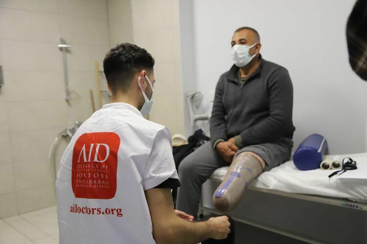 Раненые азербайджанские военнослужащие получили новые протезы в Турции