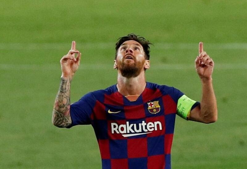 «Барселона» сделала Месси памятный подарок в честь рекорда по количеству матчей за команду