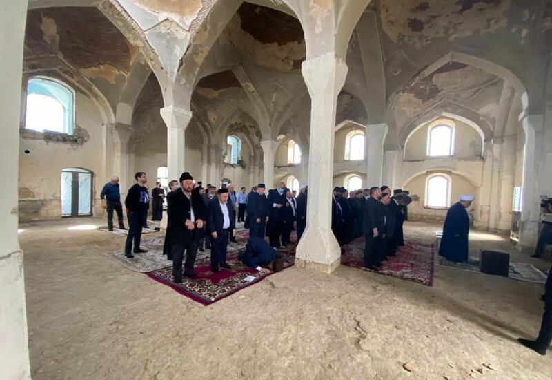 Главы религиозных конфессий в Азербайджане посетили Агдамскую джума-мечеть