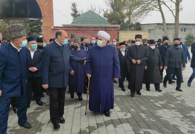 Аллахшукюр Пашазаде и руководители религиозных конфессий отправились в Барду и Агдам