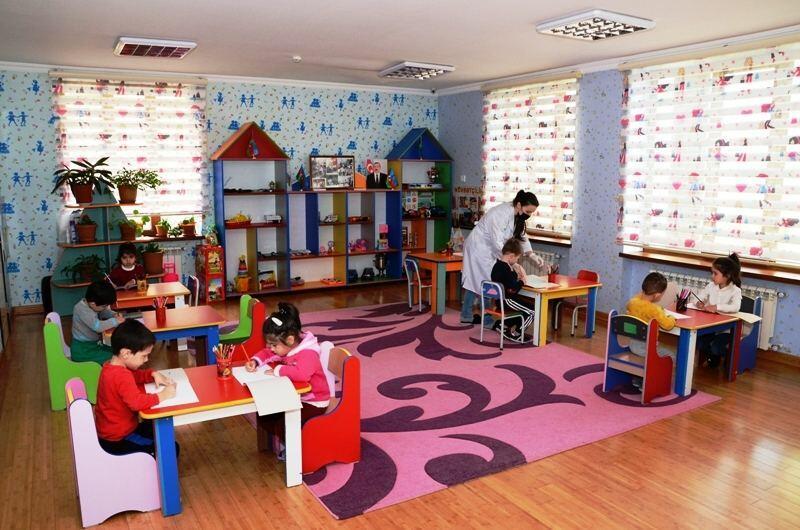 В Баку детсады работают в обычном режиме