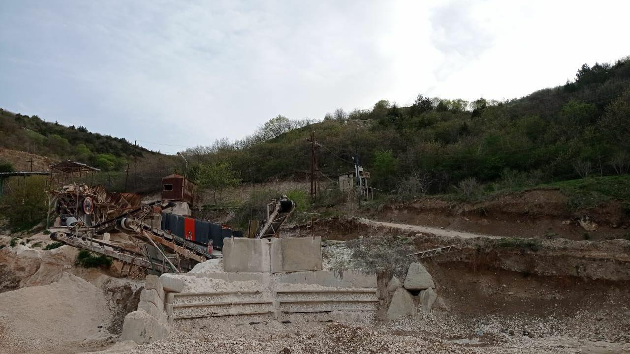 Армяне разграбили и месторождение известняка в Зангиланском районе