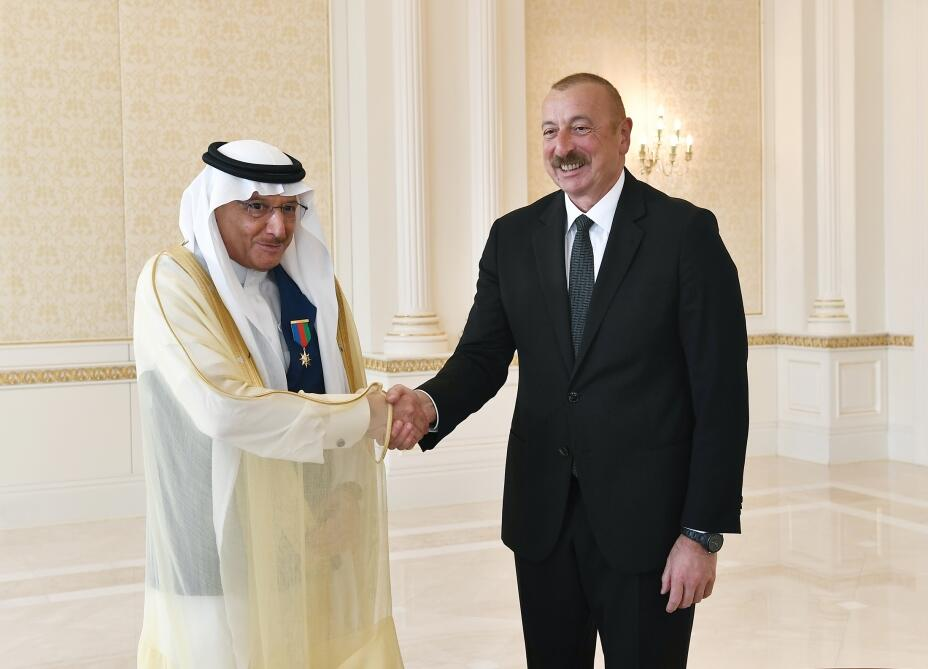 Президент Ильхам Алиев принял генерального секретаря Организации исламского сотрудничества