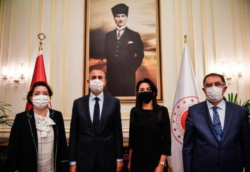 Омбудсмен встретился с министром юстиции Турции