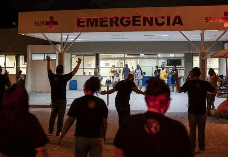 Печальный рекорд: В Бразилии за сутки от COVID-19 умерли 4200 человек