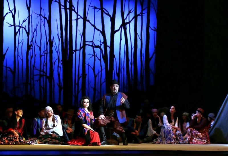 Цыгане в азербайджанских фильмах и на театральной сцене