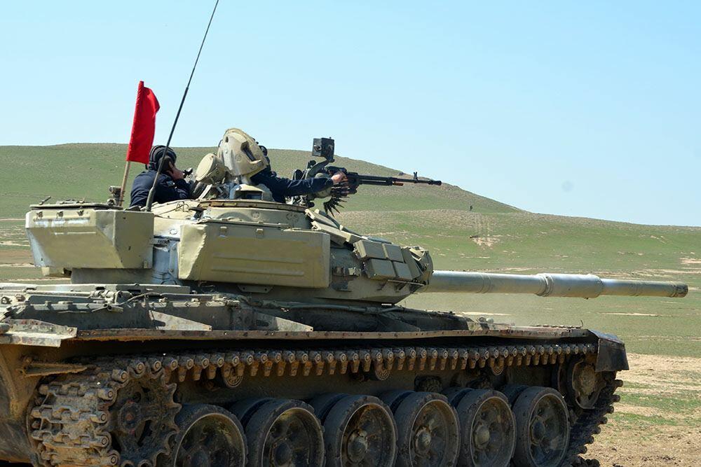 В танковых подразделениях ВС Азербайджана проводятся занятия по боевой подготовке