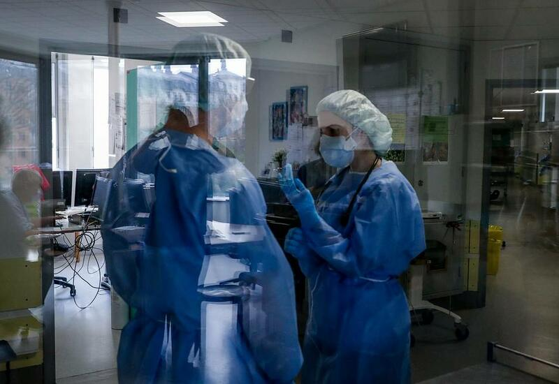 Заболеваемость COVID-19 в мире вернулась к показателям января
