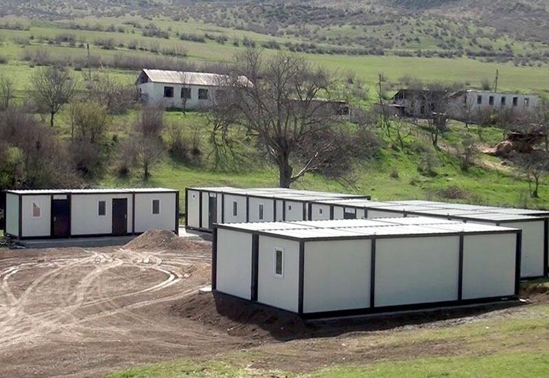 В освобожденном Карабахе устанавливаются общежития модульного типа