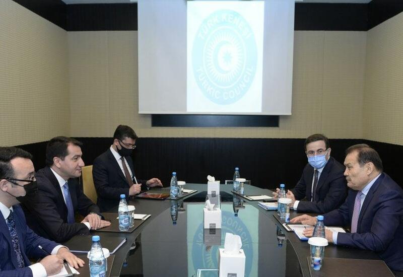Хикмет Гаджиев провел переговоры с генсеком Тюркского совета