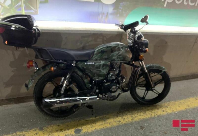 В Мингячевире мотоцикл врезался в столб