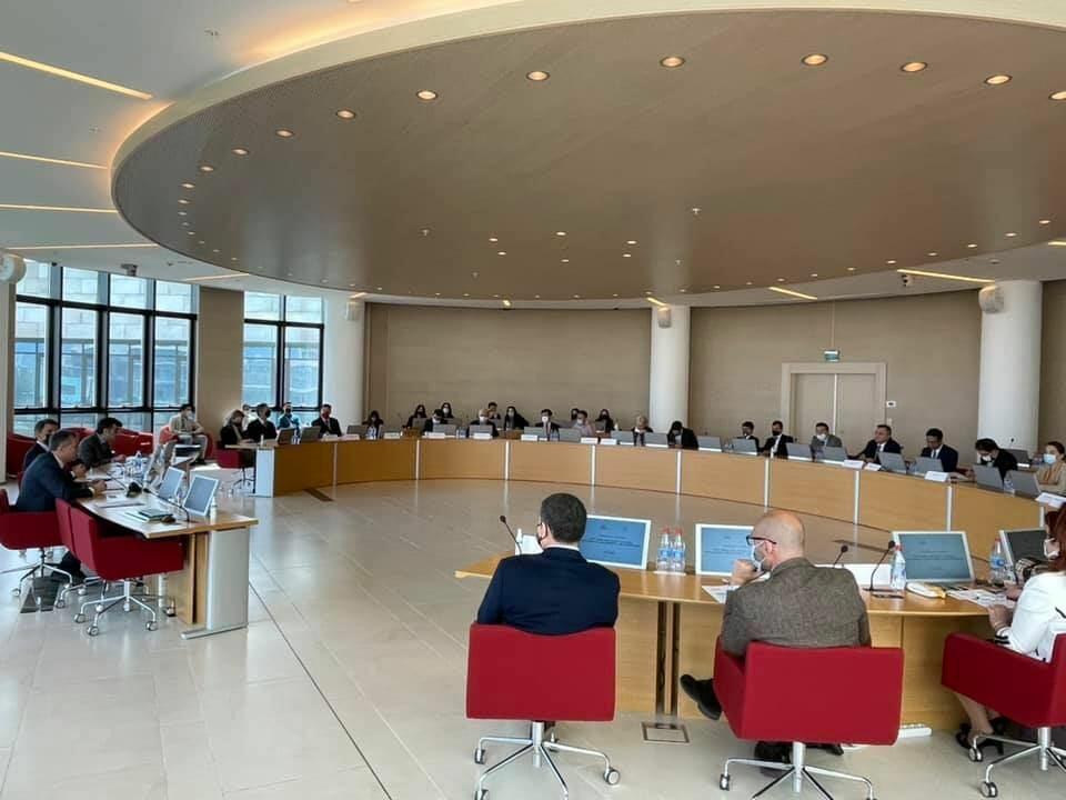 В Университете АДА проходит конференция под названием «Новое видение для Южного Кавказа. Развитие и сотрудничество после конфликта»