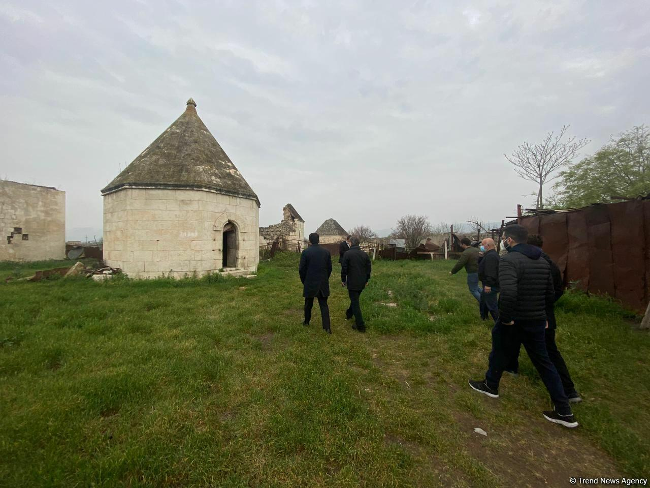Делегация Тюркского совета побывала на разрушенном армянами кладбище Имарат