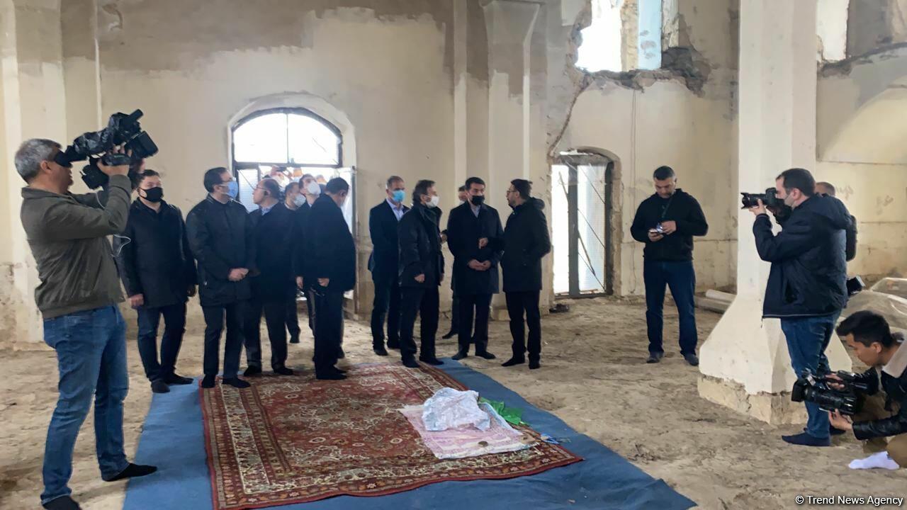 Делегация Тюркского совета посетила Агдамскую джума-мечеть