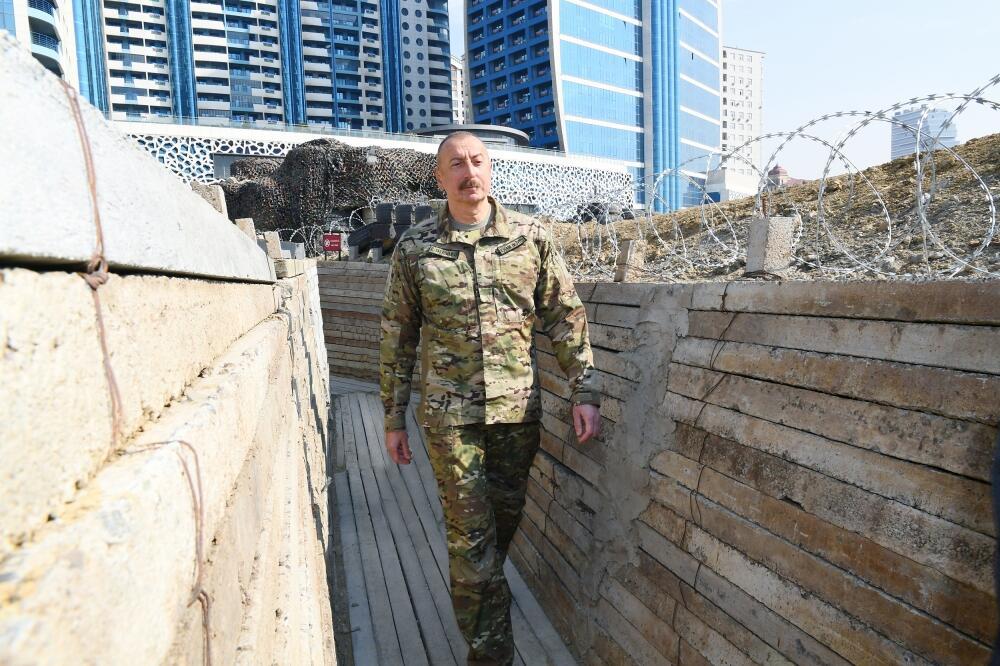 Президент Ильхам Алиев принял участие в открытии в Баку Парка военных трофеев