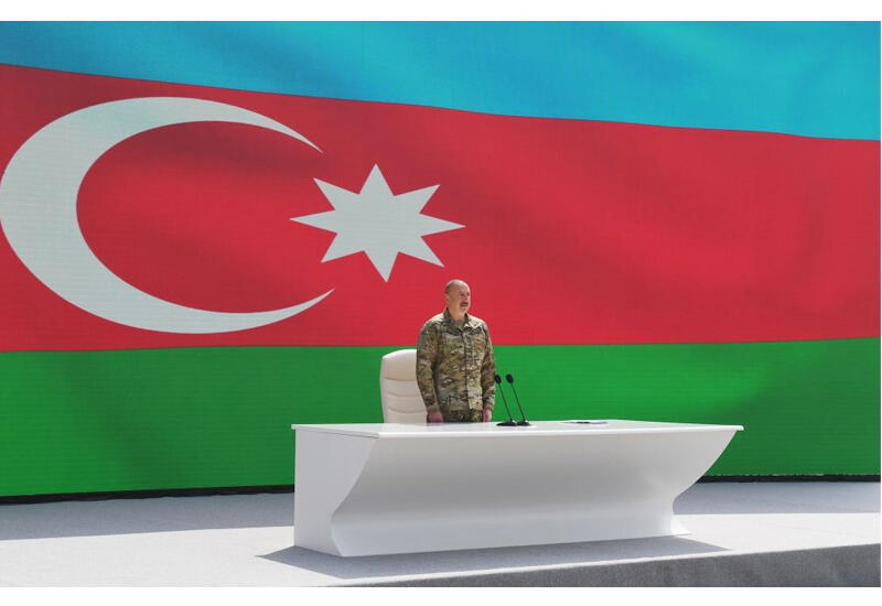 Президент Ильхам Алиев: Власть Народного фронта-Мусавата продавала Армении бензин