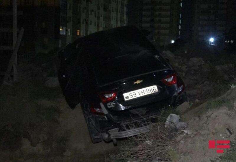 В Баку обстреляли автомобиль