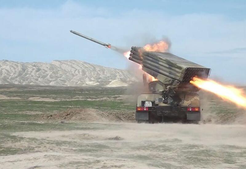 Начались тактические учения ракетно-артиллерийских батарей азербайджанской армии