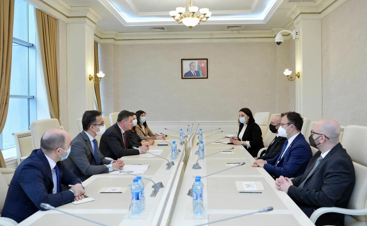 Азербайджан и Италия обсудили развитие сотрудничества