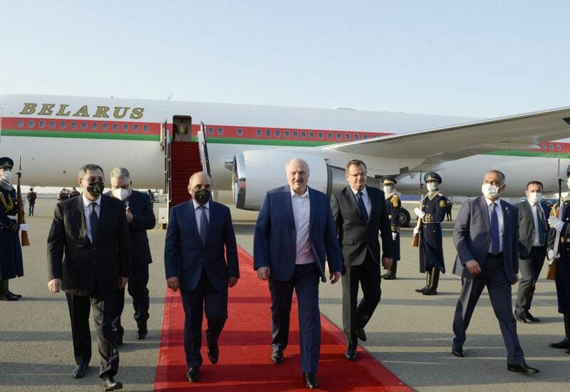 Александр Лукашенко прибыл с визитом в Азербайджан