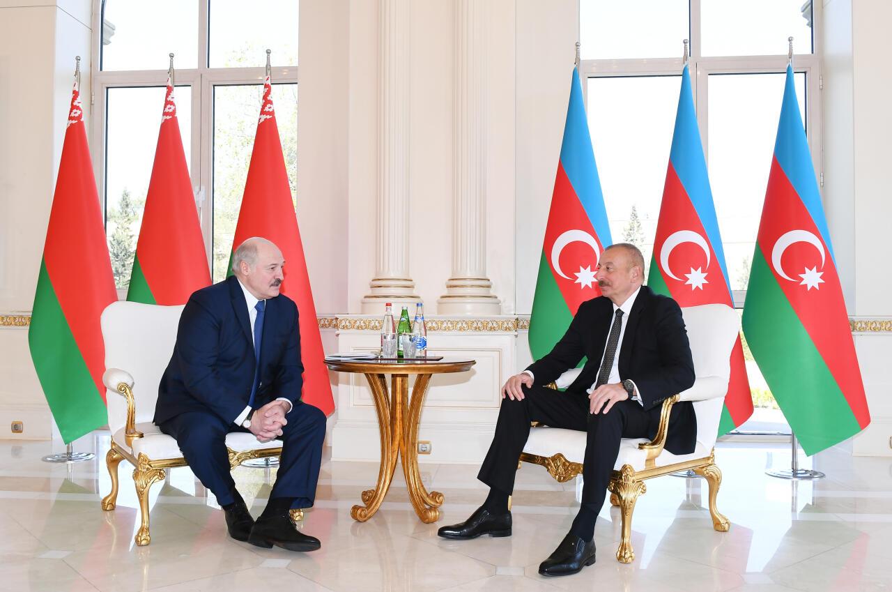 Состоялась встреча Президентов Азербайджана и Беларуси один на один
