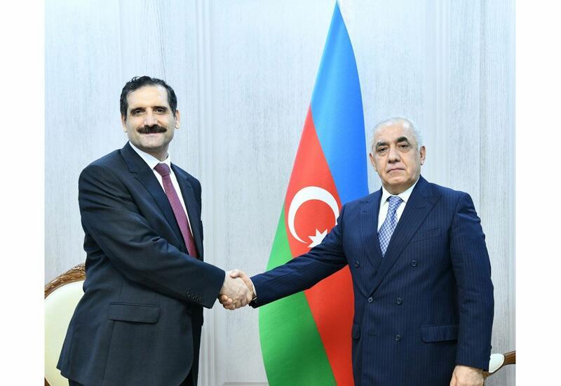 Премьер-министр Азербайджана обсудил двусторонние отношения с послом Турции