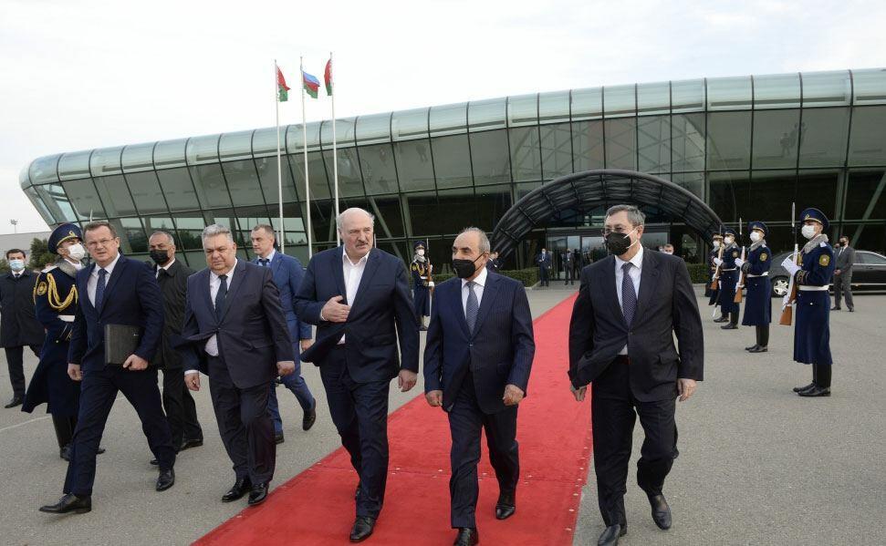 Завершился рабочий визит Президента Беларуси в Азербайджан