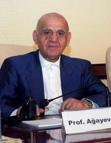 В Азербайджане от коронавируса скончался известный врач