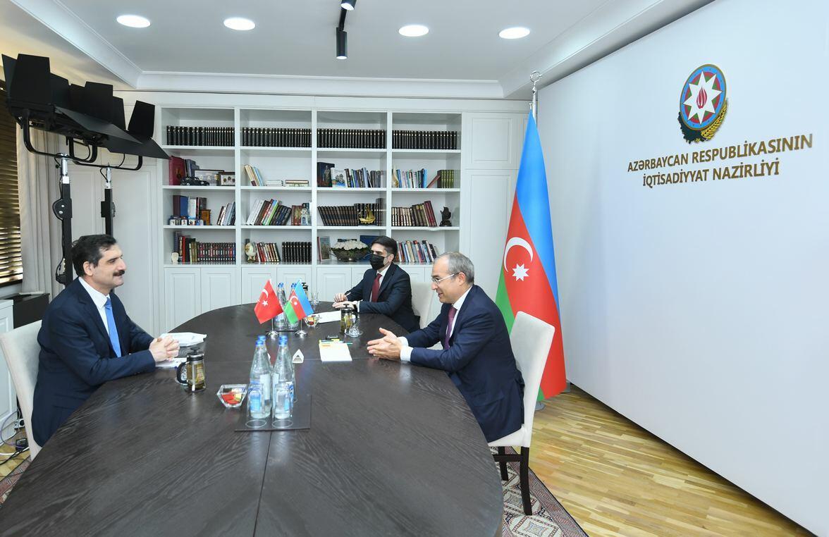 İqtisadiyyat naziri Türkiyənin Azərbaycandakı səfiri ilə görüşüb