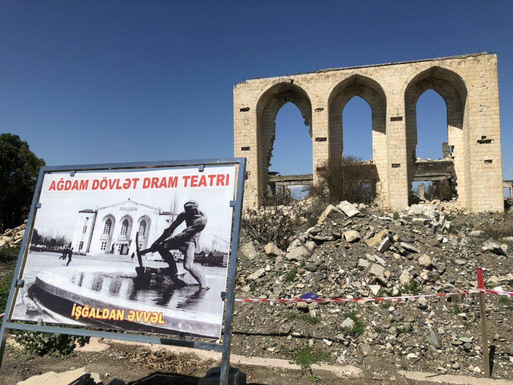 Зачем Армения разрушила Агдам, если считала его своей территорией