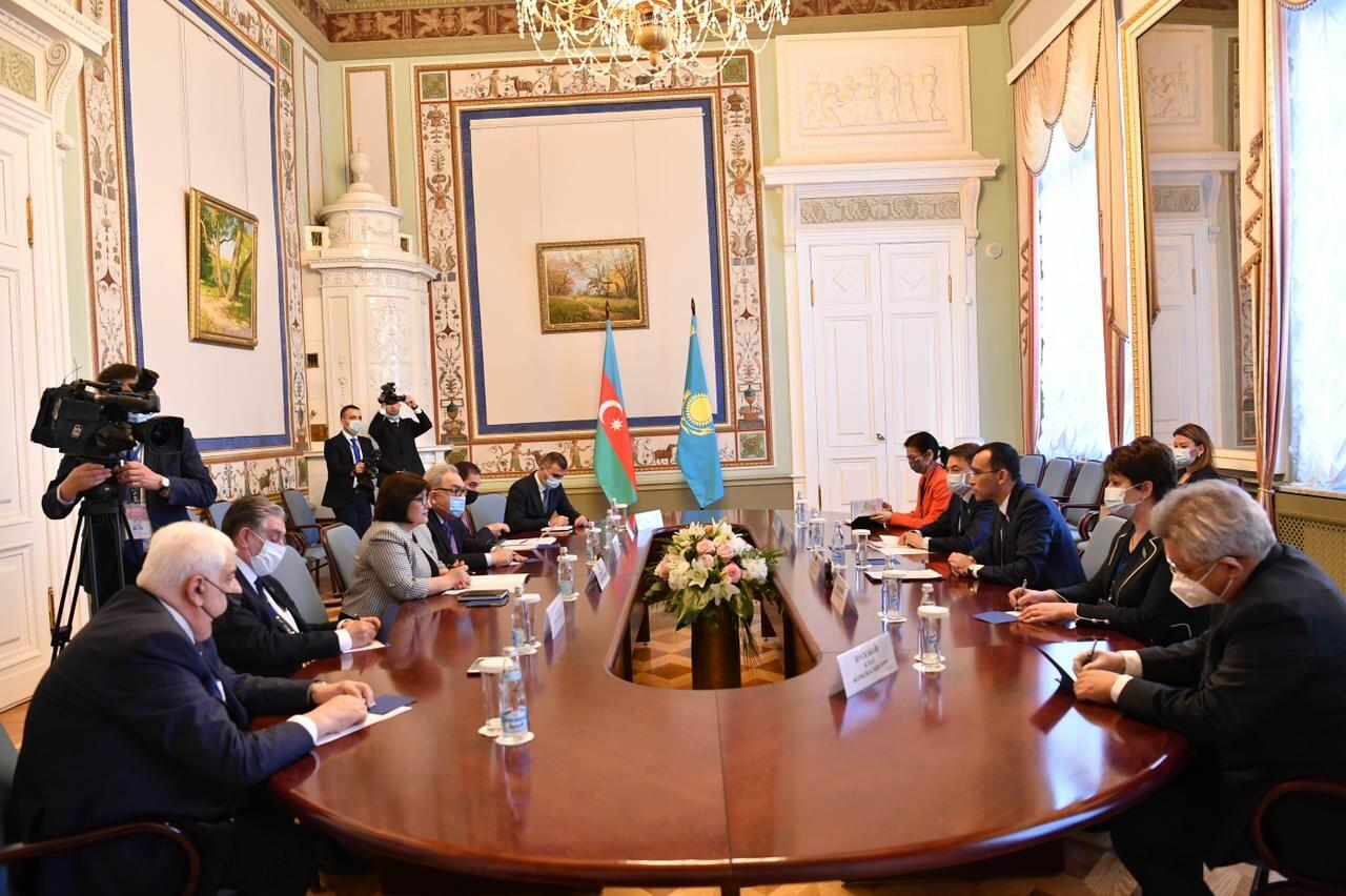 Спикер Милли Меджлиса встретилась с председателем Сената парламента Казахстана
