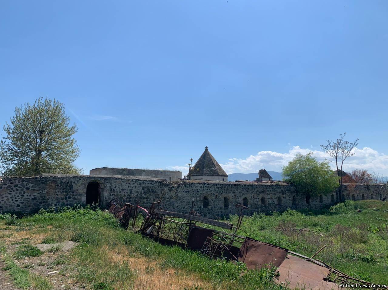 Азербайджанские журналисты посетили Агдам