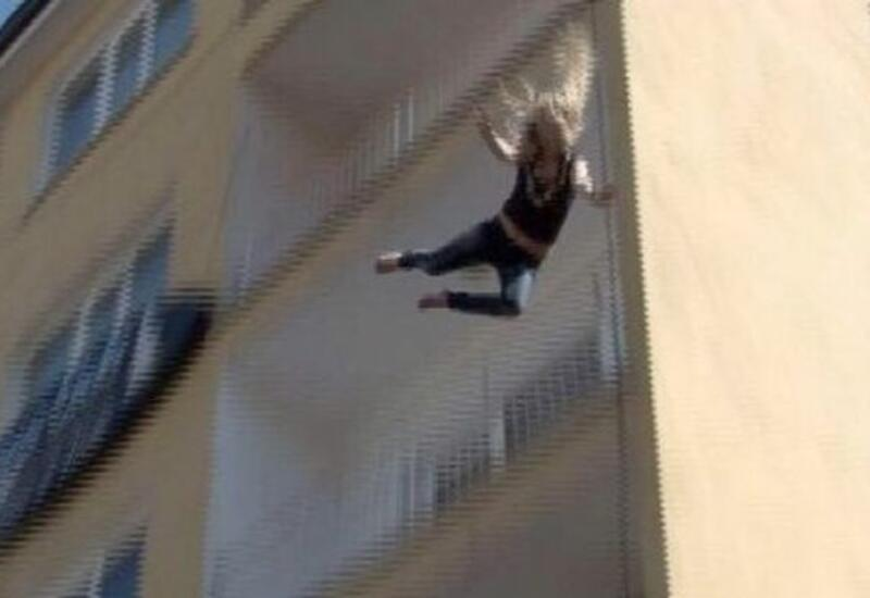 В Баку 20-летняя девушка упала с 7 этажа