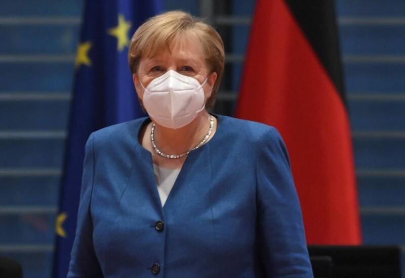 Меркель вакцинировалась от коронавируса препаратом AstraZeneca